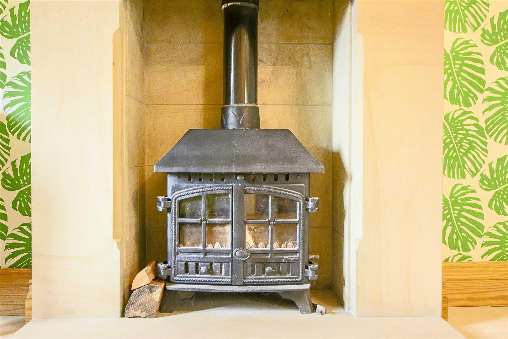 5 Bedroom Cottage For Sale - Image 37